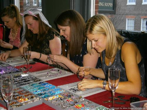 group-jewelrymakingparty2.JPG